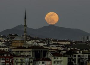 Суперлуна года: как это выглядело в Турции
