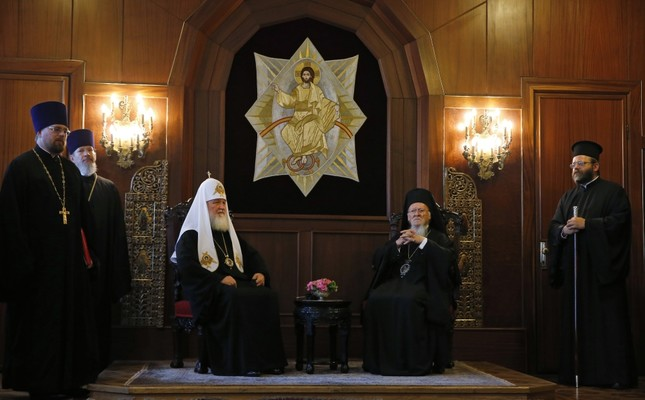 Patriarch Kirill (L) and Bartholomew (R) met at Fener Greek Orthodox Patriarchate on Friday.
