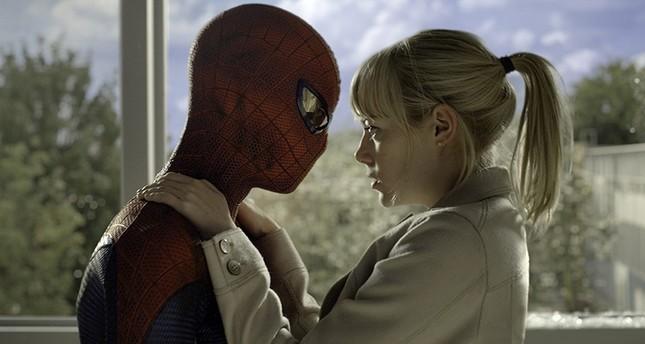 Spider-Man Andrew Garfield and girlfriend actress Emma Stone (Photo Courtesy of CTMG./ImageMagick)