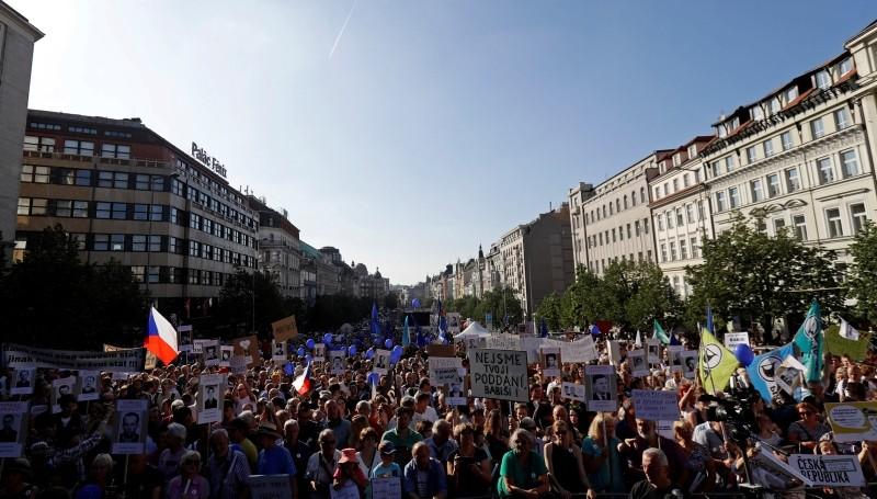 Demonstrators attend a protest rally against Czech caretaker Prime Minister Andrej Babis in Prague, Czech Republic, June 5, 2018. (Reuters Photo)