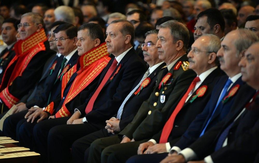 L-R: Supreme Court of Appeals Chairman Cirit, President Erdou011fan, Education Minister Yu0131lmaz, Chief of Staff Akar, CHP Chair Ku0131lu0131u00e7darou011flu, Deputy PM Kurtulmuu015f and Tu00fcrkeu015f attending the opening ceremony of the court year organized by the SCoA in Ankara.