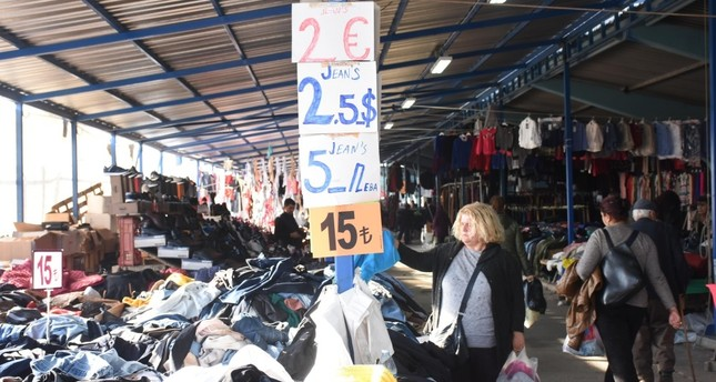 The popular bazaars of the northwestern province of Edirne, which neighbors Greece and Bulgaria, have been frequented by Greek and Bulgarian citizens looking for cheaper products due to the recent devaluation of the Turkish lira.