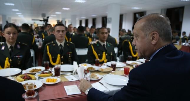 أردوغان يلمح إلى قرب عملية عسكرية تركية في منطقتي منبج وشرق الفرات