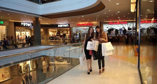 Despite rising trend of online shopping, Turks still favor malls