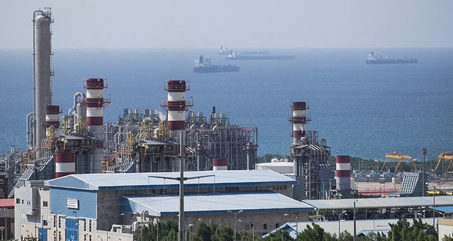 A general view shows a unit of South Pars Gas field in Asalouyeh Seaport, north of Persian Gulf, Iran in this November 19, 2015 file photo (Reuters Photo)