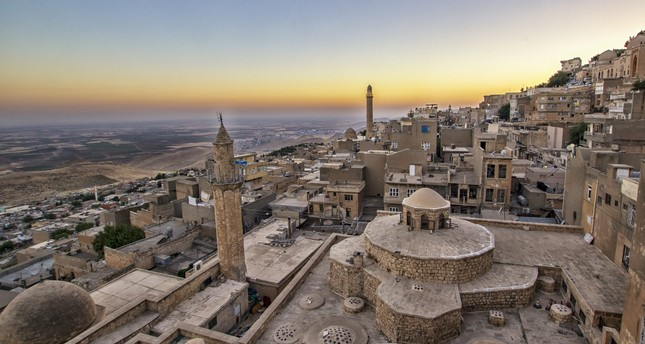Situated in the endless Mesopotamian plain, Mardin mesmerizes its visitors in every turn with its narrow streets and stone houses.