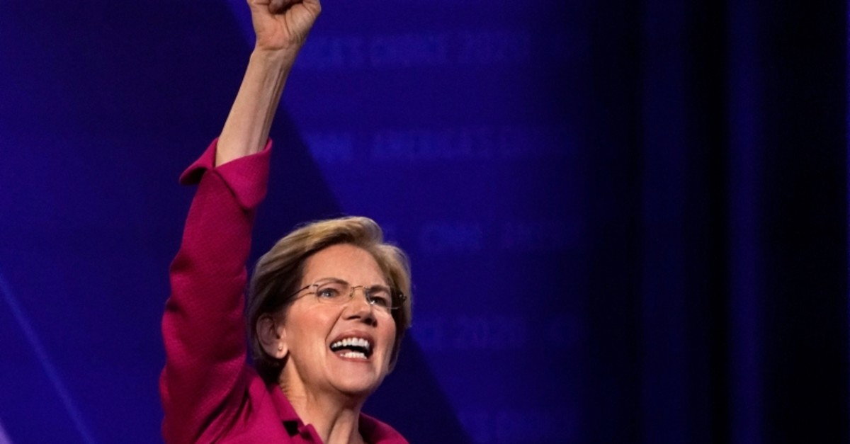 Democratic 2020 U.S. presidential candidate Senator Elizabeth Warren (D-MA) gestures in a televised townhall on CNN dedicated to LGBTQ issues in Los Angeles, California, U.S. October 10, 2019. (REUTERS Photo)