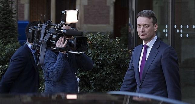 كذبة تتسبب في إطاحة وزير الخارجية الهولندي