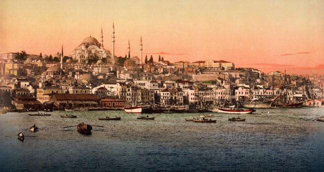 The map uses Constantinople, the present-day Istanbul, to show how certain cities' populations drastically changed in different periods.