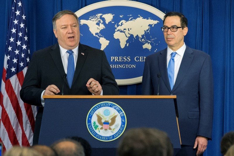 US Secretary of State Mike Pompeo (L) and US Treasury Secretary Steven Mnuchin announce sanctions against Iran during a news conference at the Foreign Press Center in Washington, DC, Nov. 05, 2018. (EPA Photo)