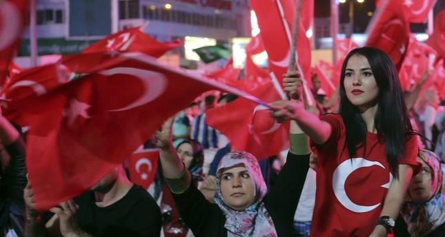لليوم الـ 17 على التوالي.. الميادين التركية تغص بمظاهرات صون الديمقراطية