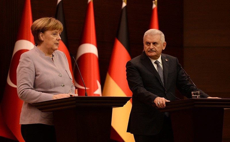 This file photo shows PM Binali Yu0131ldu0131ru0131m (R) and German Chancellor Angela Merkel holding a joint press conference at the Turkish Prime Ministry on Feb. 02, 2017. (Photo: Sabah / Ali Ekeyu0131lmaz)