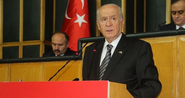زعيم الحركة القومية بتركيا يدعوا لتقاسم الخبز مع اللاجئين ويرفض تجنيس السوريين