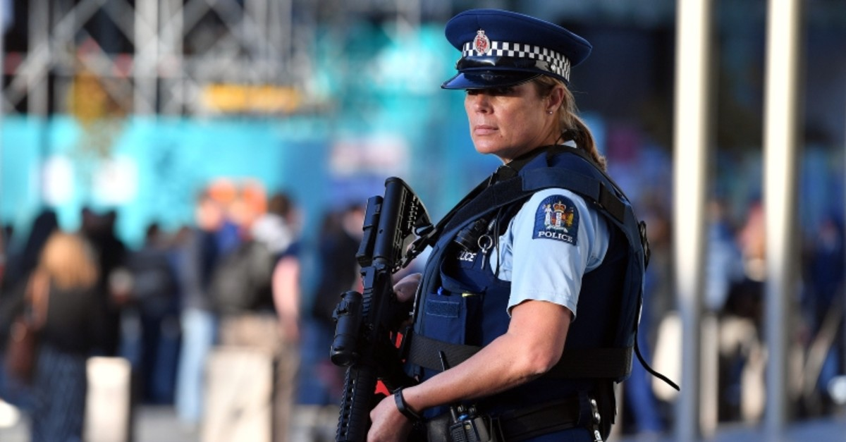 A police officer stays alert during Britain's Prince William's visit to the Justice and Emergency Services Precinct in Christchurch, New Zealand April 25, 2019 (Reuters Photo)