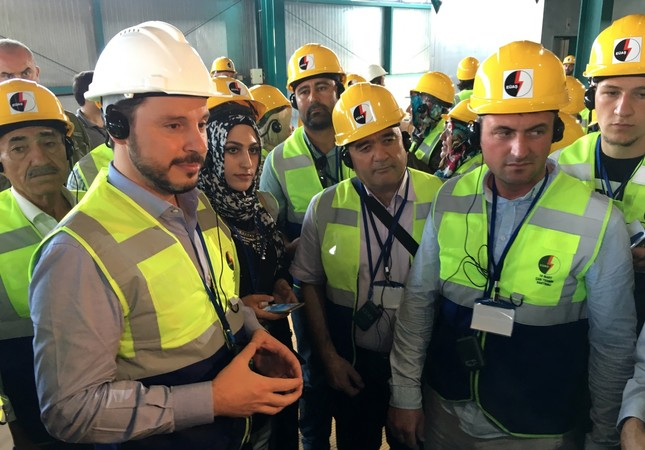 Energy Minister Berat Albayrak, first from left, visits to the new-generation Çan thermal power plant.