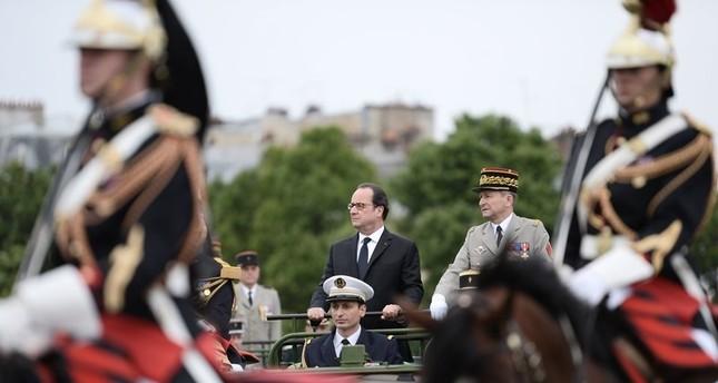 10.000 يورو راتب حلاق الرئيس الفرنسي