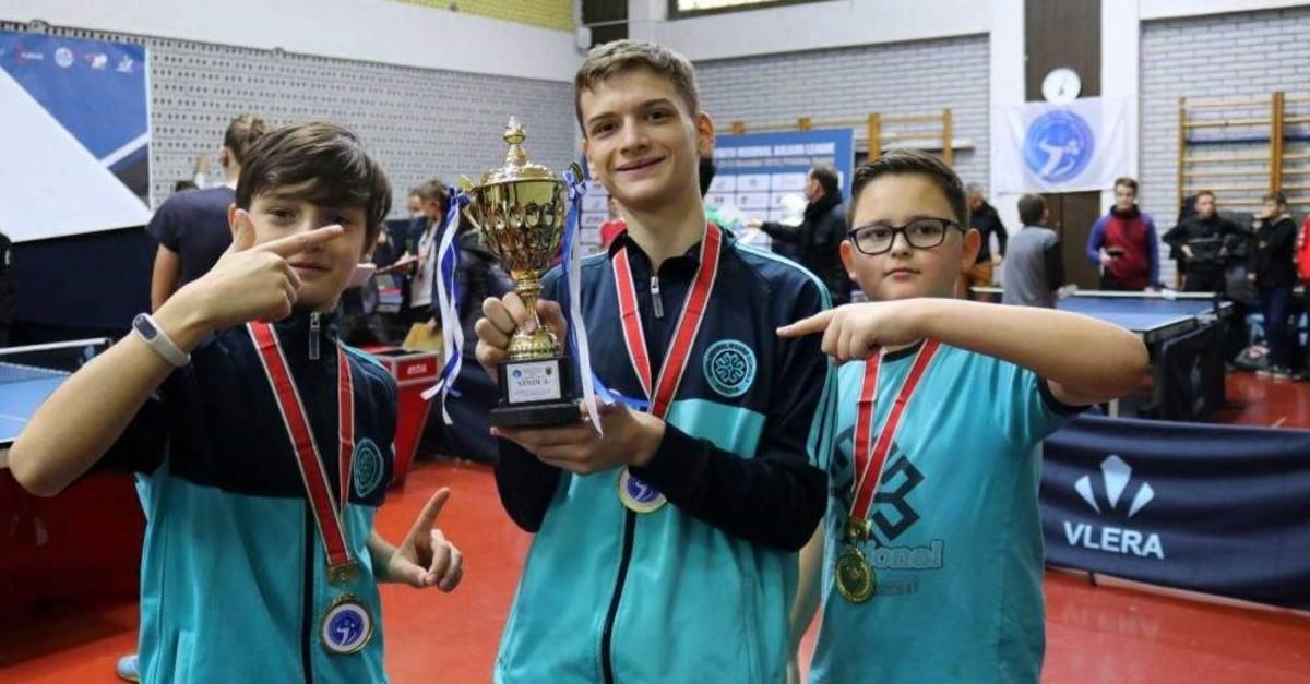 Kosovan students from Maarif schools garner medals thumbnail