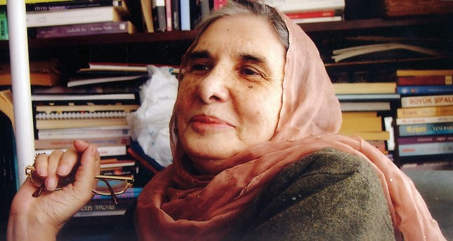 Şasa's intellectual thinking changed a great deal during her retreat from her profession, and she assumed a more scholarly and intuitive lifestyle. She conducted detailed studies on Muhyiddin Ibn Arabi and Andrei Tarkovsky.