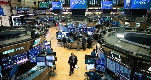 الفيدرالي الأميركي يخفض الفائدة إلى صفر-0,25 % بسبب كورونا وترامب يشيد
