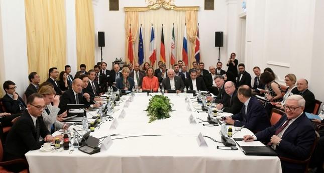مسؤول إيراني: دول الاتفاق النووي طرحت عدم استخدام الدولار في التعاملات التجارية