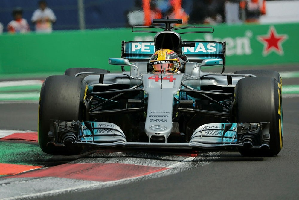 Lewis Hamilton of Mercedes during the Mexico Formula One Grand Prix at the Hermanos Rodriguez racetrack, in Mexico City, Mexico, 27 October 2017. (EPA Photo)