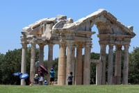 Ancient city Aphrodisias amazes visitors with famous Roman-era sculptures