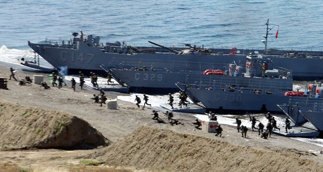 الجيش التركي يستعرض قوته باثنتين من أكبر المناورات في تاريخه