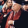 Lernen kennt kein Alter: Mit 82 UNI-Abschluss