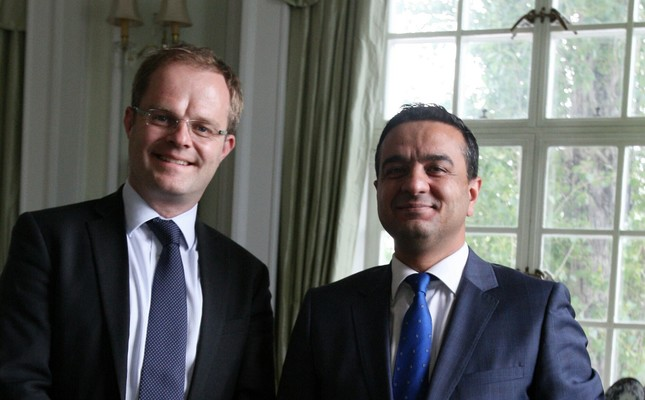 The U.K. special representative for Syria, Gareth Bayley (L) and Daily Sabah's Ali Ünal