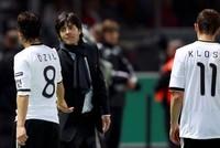 Arsenal verhindert Trainingsbesuch von Löw bei Özil