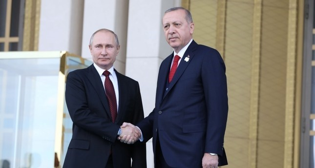 أردوغان وبوتين يبحثان هاتفياً قرار واشنطن الانسحاب من الاتفاق النووي