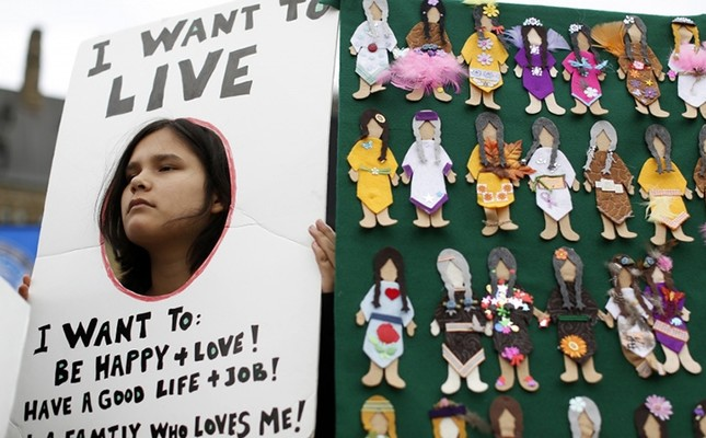 Carol-Ann Moses takes part in the Sisters In Spirit Vigil honouring the lives of missing and murdered aboriginal women on Parliament Hill in Ottawa (Reuters File Photo)