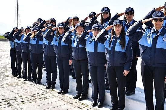 Women In Turkey S Izmir Empower City Services Daily Sabah