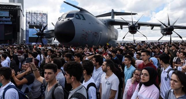 إقبال كبير من الزور لمتابعة فعاليات تكنوفيست إسطنبول