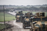 Turkish army points at Syrian regime forces in northwest Syria amid increasing tension