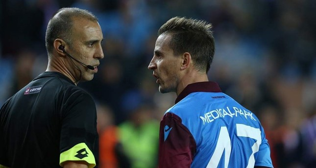 Referee 'mistakes' cost Trabzonspor 12 points in Süper Lig