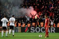 Nach den rechtsradikalen Ausfällen deutscher Fußball-Fans beim WM-Qualifikationsspiel von Deutschland in Tschechien hat der Fußball-Weltverband eine Untersuchung eingeleitet.  Laut FIFA werden...