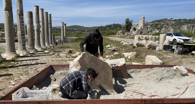العثور على نقش جديد في مدينة باتارا القديمة قرب أنطاليا