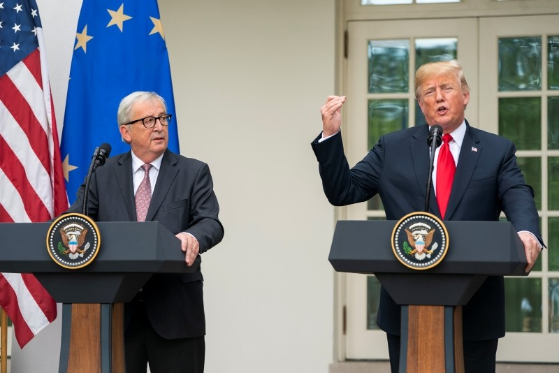 US President Donald J. Trump (R) and European Commission President Jean-Claude Juncker (L) make a joint statement in the Rose Garden of the White House in Washington, DC, USA, 25 July 2018. (EPA Photo)