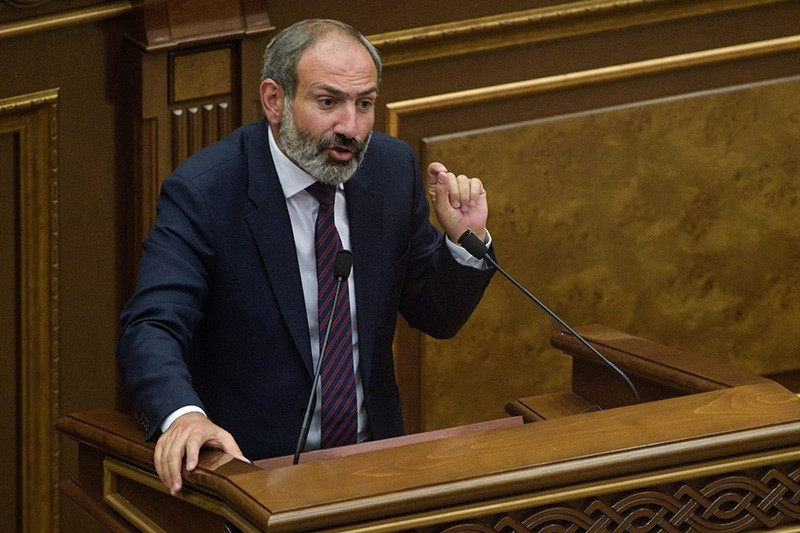 Armenian opposition leader and the only candidate for the post of prime minister Nikol Pashinian answers lawmakers' questions at the extraordinary session of parliament to elect a new prime minister in Yerevan on May 1, 2018. (AFP Photo)