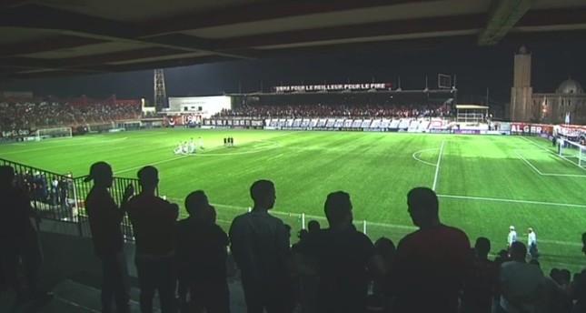 العراق يستدعي السفير الجزائري بسبب هتافات تمجد صدام في مباراة لكرة القدم