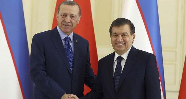 أردوغان يلتقي الرئيس الأوزبكي المؤقت شوكت ميرزيوييف في سمرقند