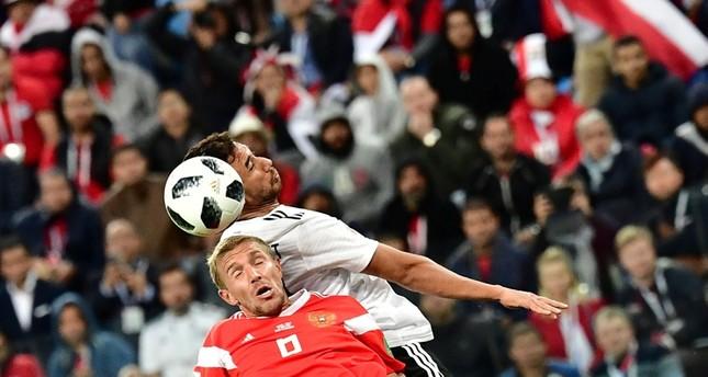 روسيا تهزم مصر بثلاثة أهداف لهدف لتتأهل إلى ثمن نهائي كأس العالم