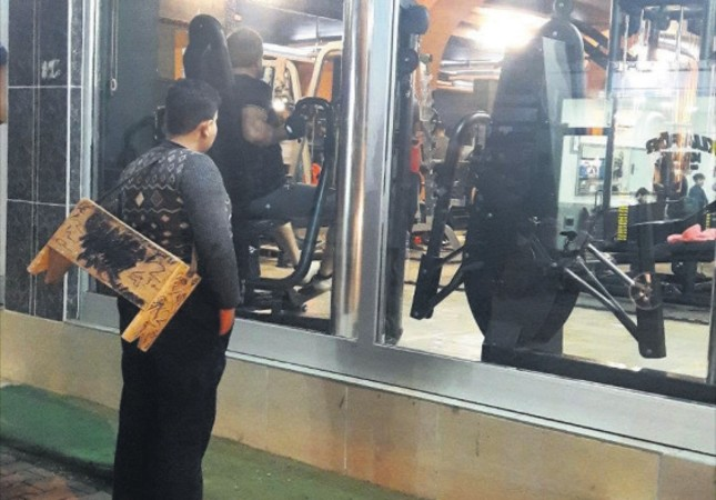 Turkish gym gives lifetime pass to Syrian boy gazing through window