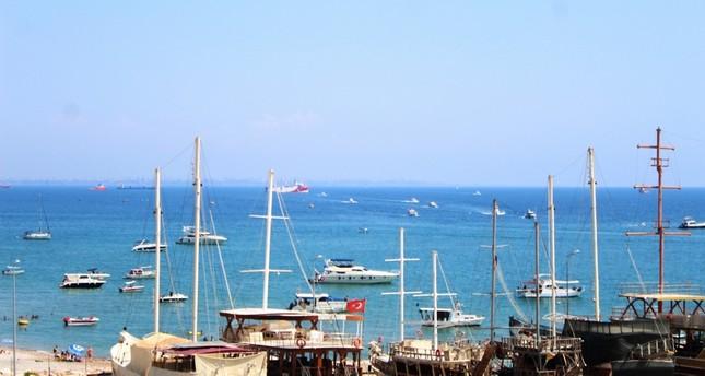سفينة أوروتش رئيس قبالة سواحل أنطاليا IHA