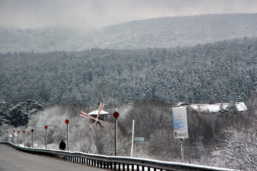 Winter returns to Turkey as roads are covered with snow