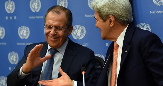 كيري ولافروف يبحثان هاتفياً التعاون بين بلديهما في سوريا