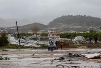 Мощный торнадо прошелся по курортной Анталье