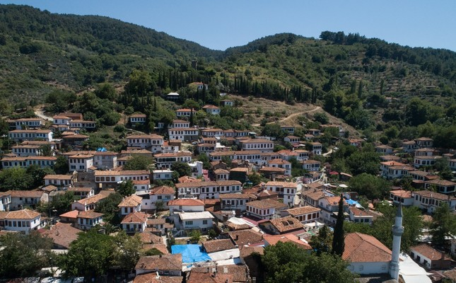 Şirince, a quiet hillside village, welcomes thousands of tourists every year.