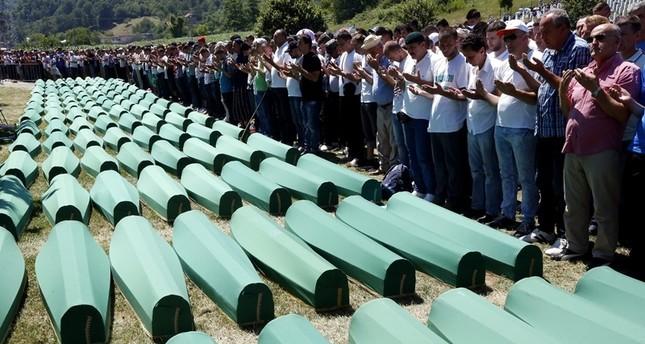 Bosnien: Trauer für Völkermordopfer in Srebrenica